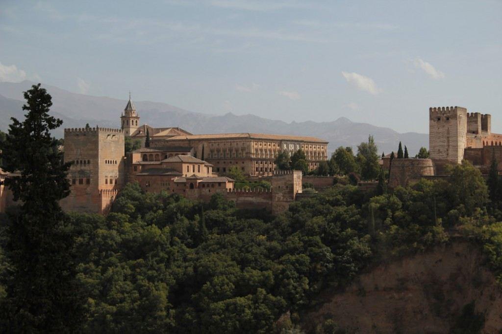 Vista de la Alhambra de Granada desde el mirador de San Nicolás