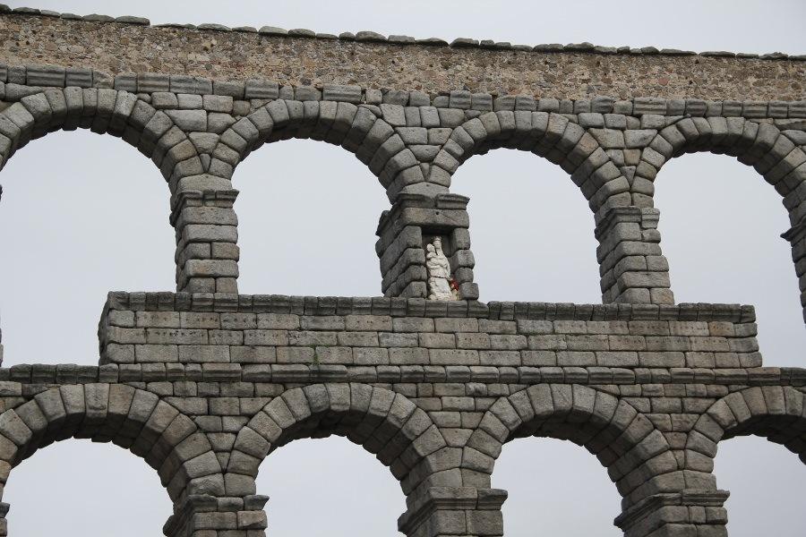 Lugar en el que estaba la inscripción con la fecha de construcción del acueducto