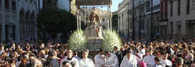 Procesión de la Virgen de los Reyes en Sevilla